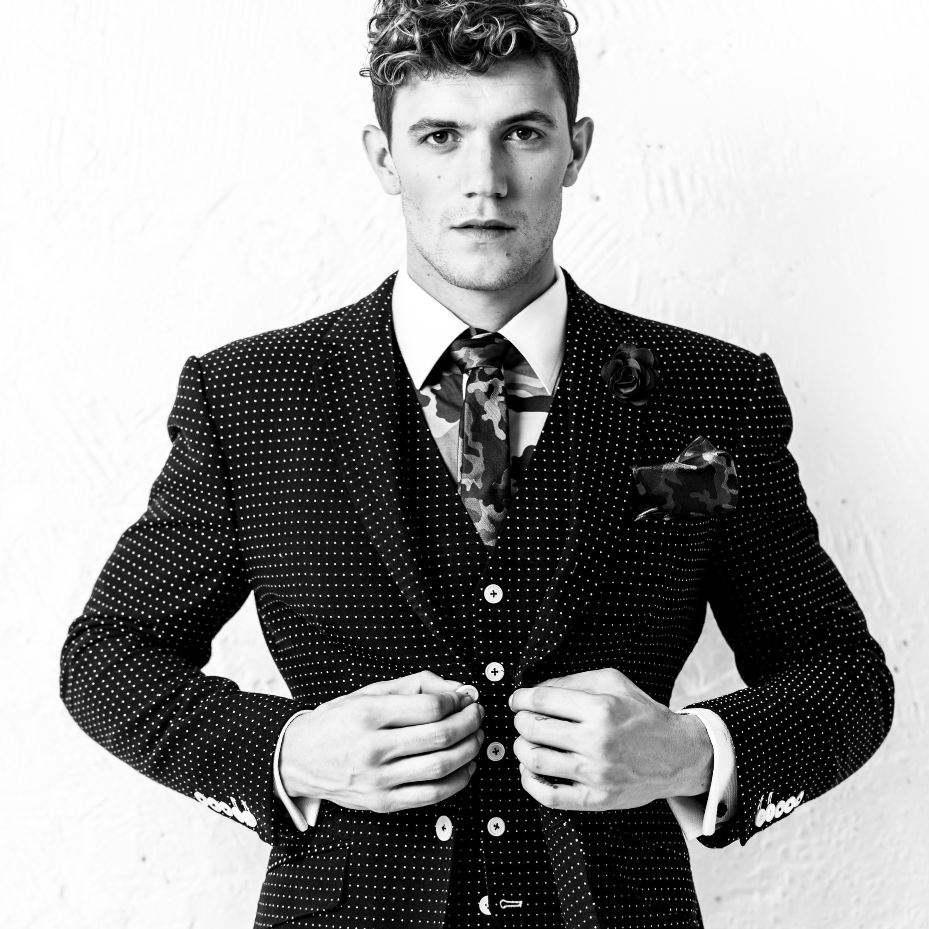jake_ss2016_hourglass_blue_polkadot_suit_mens_0118