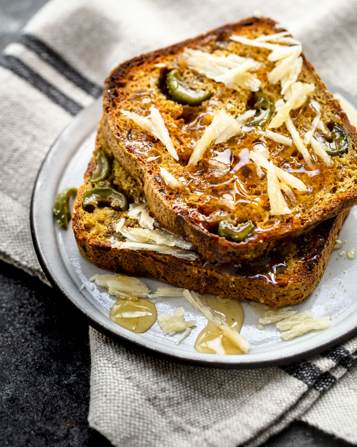 larsen_pumpkin_bread_olives_parm_rosemary_0120